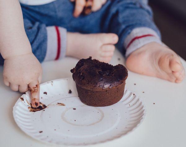 Baby_mit-Muffin
